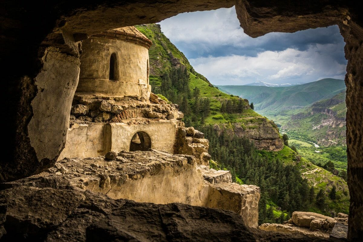 Древний пещерный монастырский комплекс «Бетлеми» (Грузия)