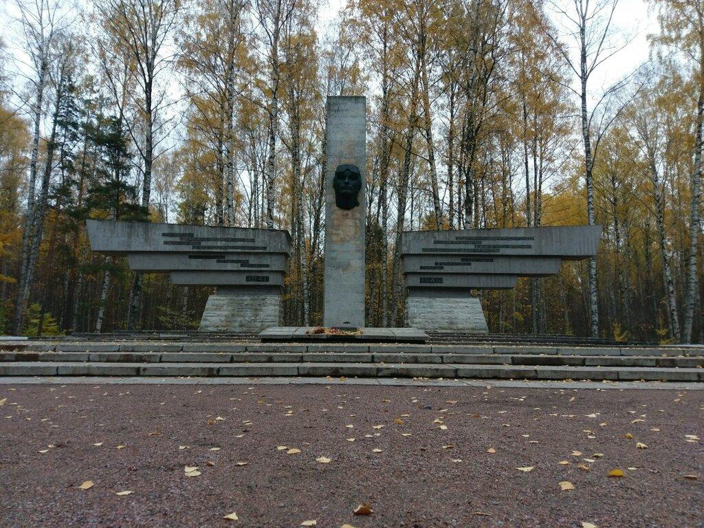 Мемориал лётчикам аэродрома «Сосновка» (Санкт-Петербург)