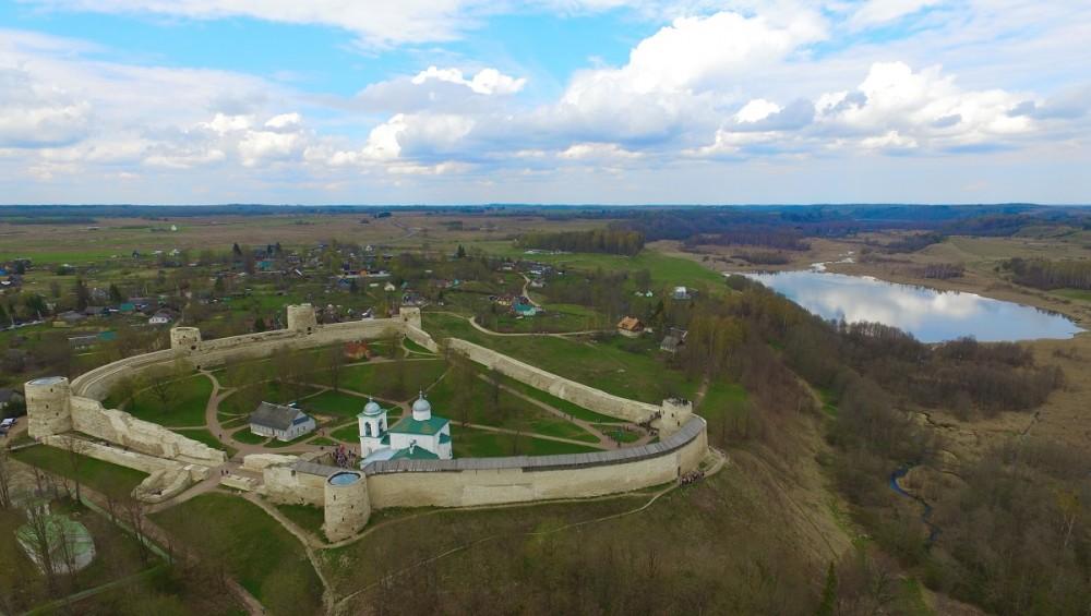 Изборская крепость (Изборск)