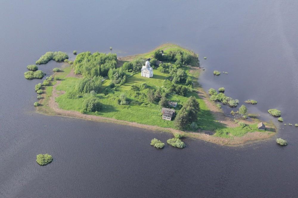Церковь Николы на острове Липно (Великий Новгород)