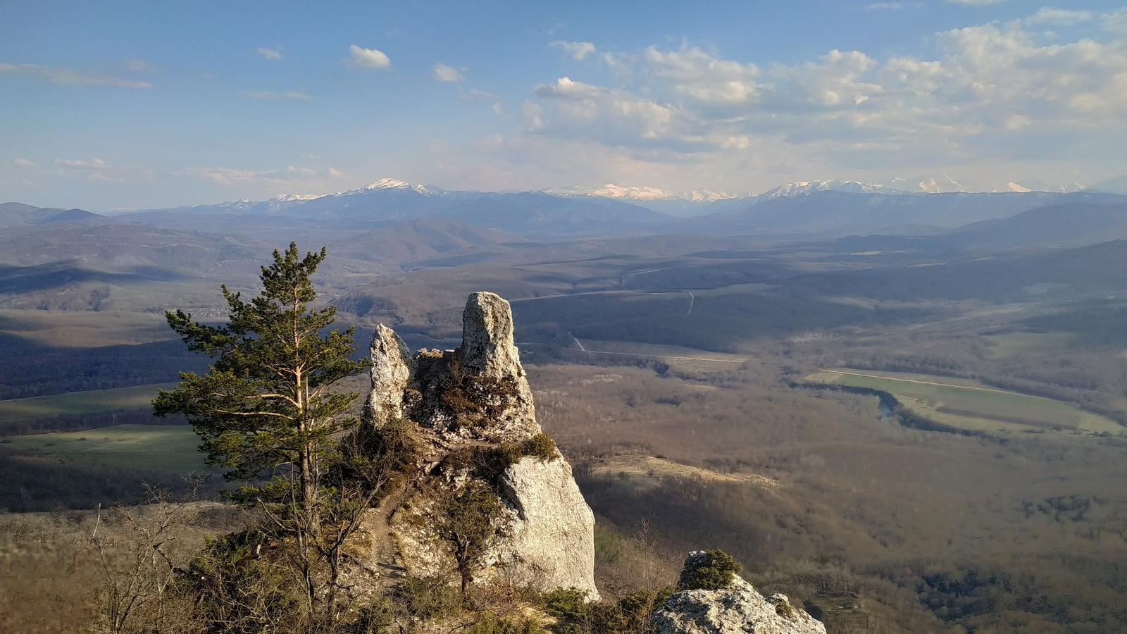 Скала Чертов палец (Каменномостский)