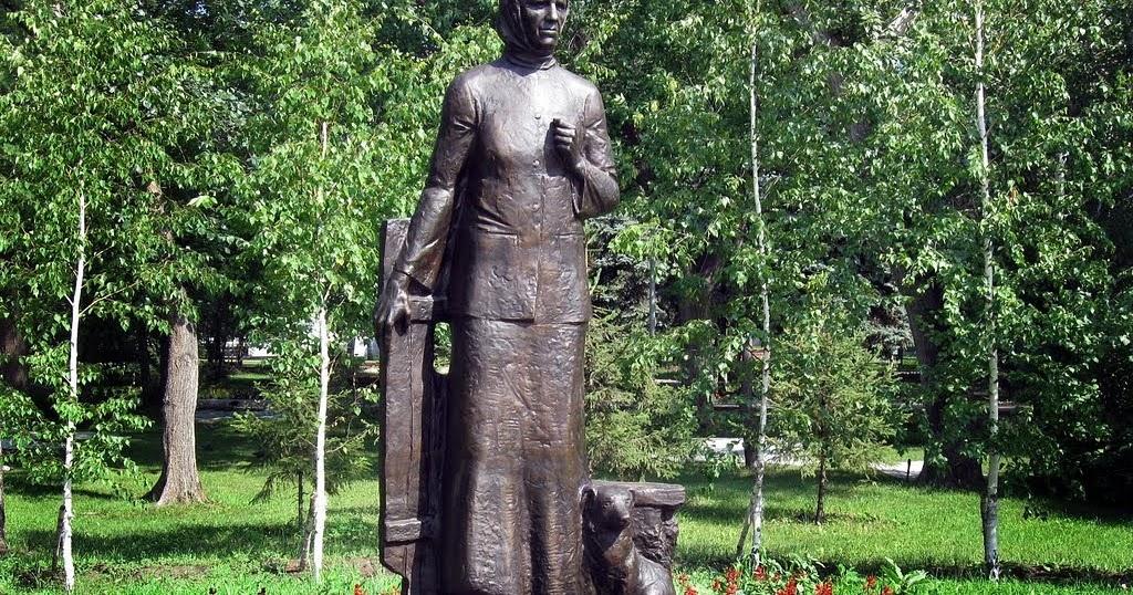 Памятник солдатской матери Анастасии Ларионовой (Омск)