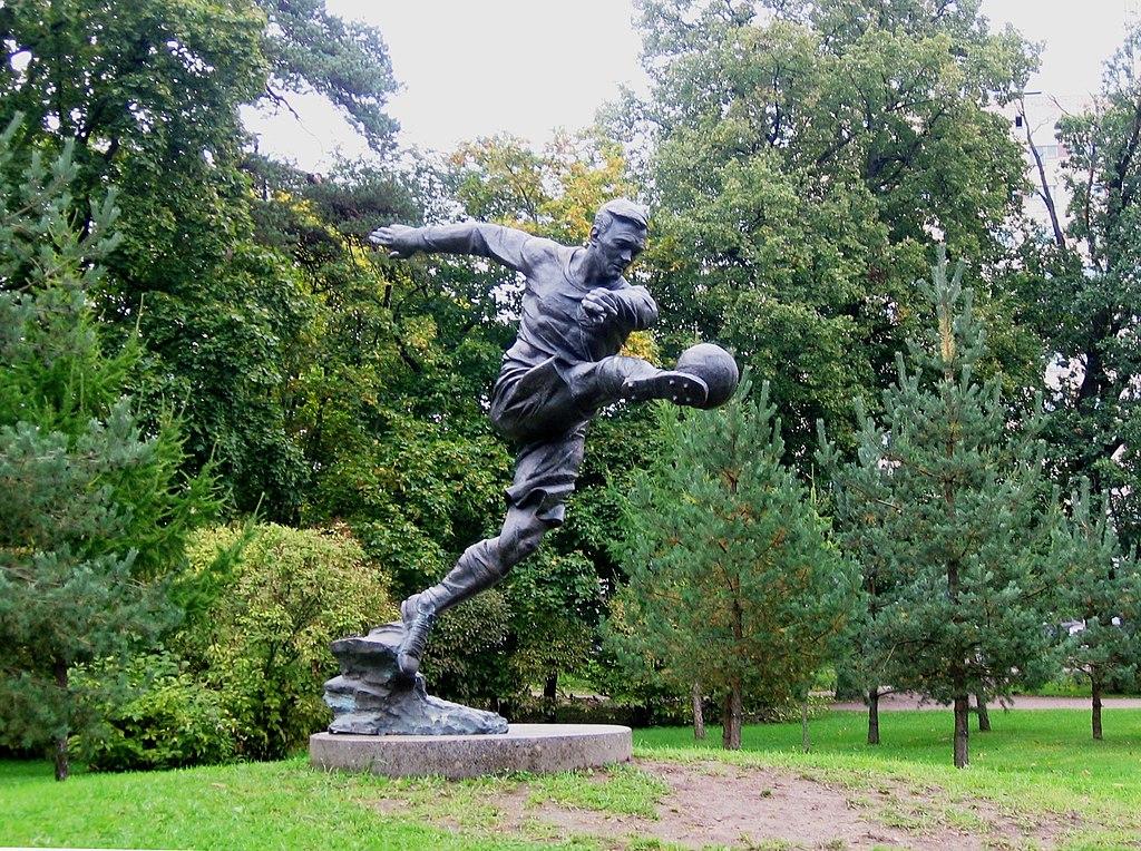 Памятник Всеволоду Боброву (Сестрорецк)
