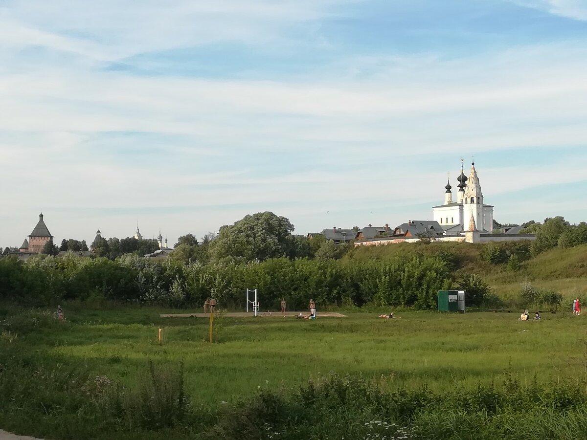 Кремлевский луг (Суздаль)