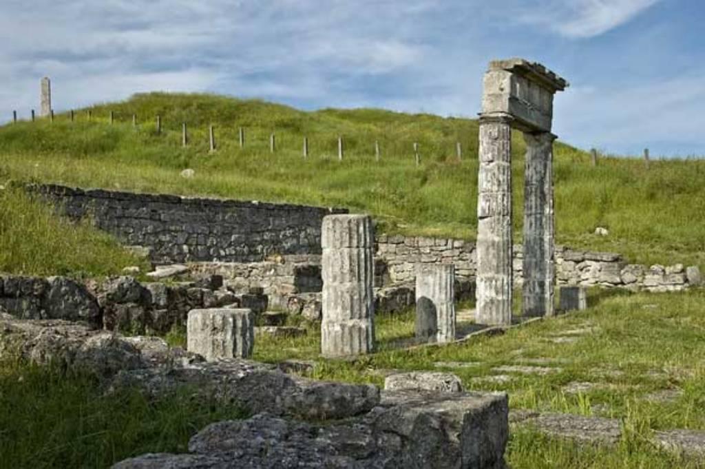 Руины античного города Пантикапей (Керчь)