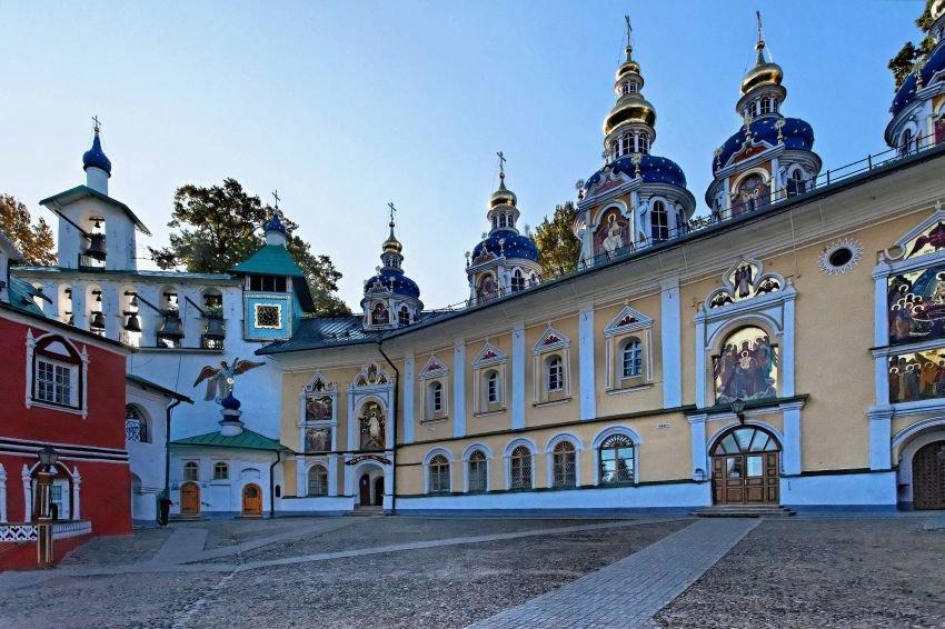 Свято-Успенский Псково-Печерский мужской монастырь (Печоры)