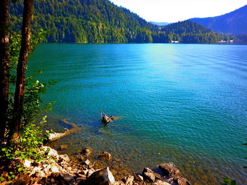 Голубое озеро (Рицинский нацпарк)
