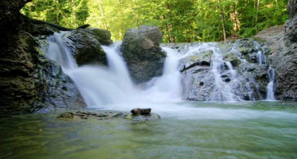 Сахрайские водопады (Каменномостский)
