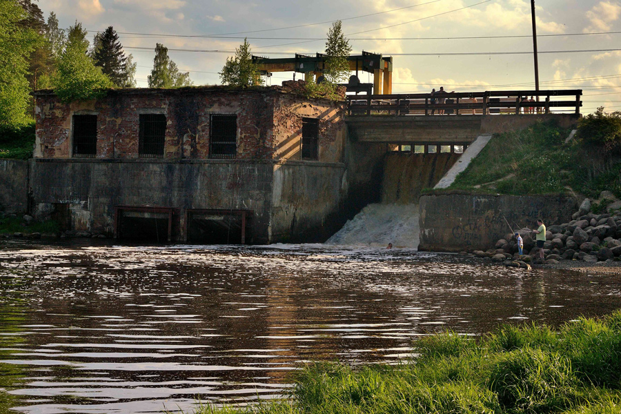 Плотина бывшей ГЭС (Вырица)