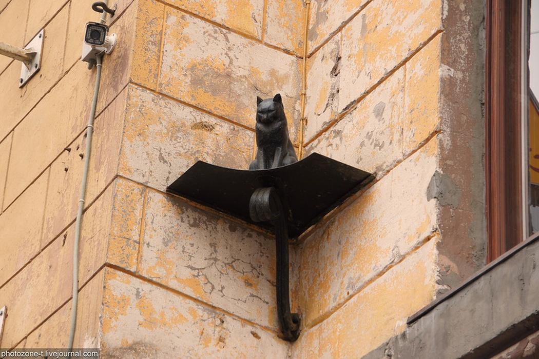 Памятник коту и кошке (Санкт-Петербург)