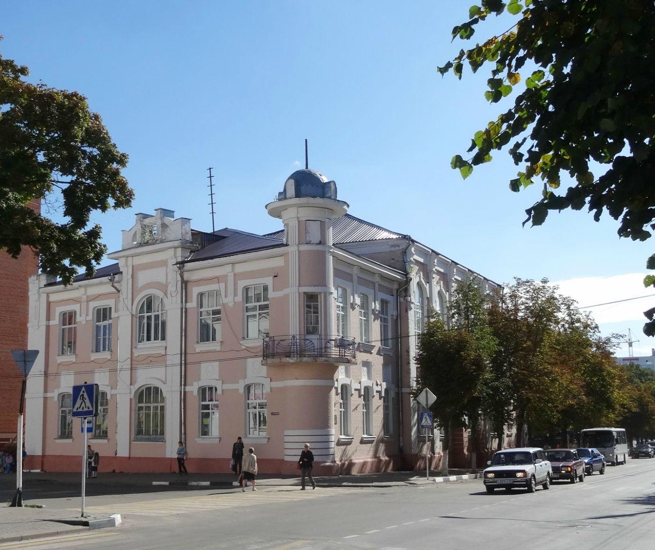 Здание бывшей женской гимназии (Клинцы)