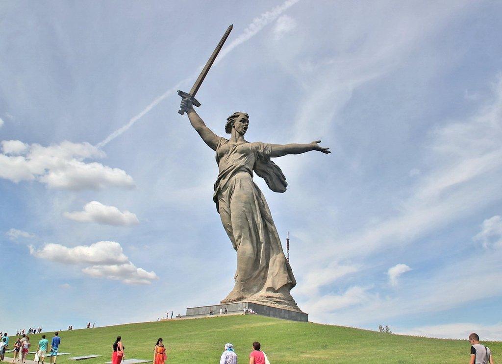 Статуя «Родина-мать зовёт» (Волгоград)