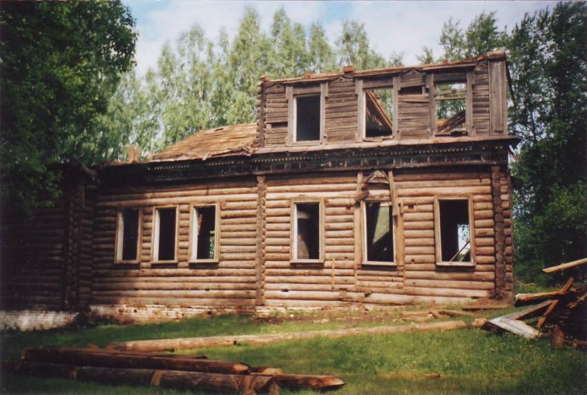 Бывшая церковь Георгия Победоносца (Марково) (Чайковский)