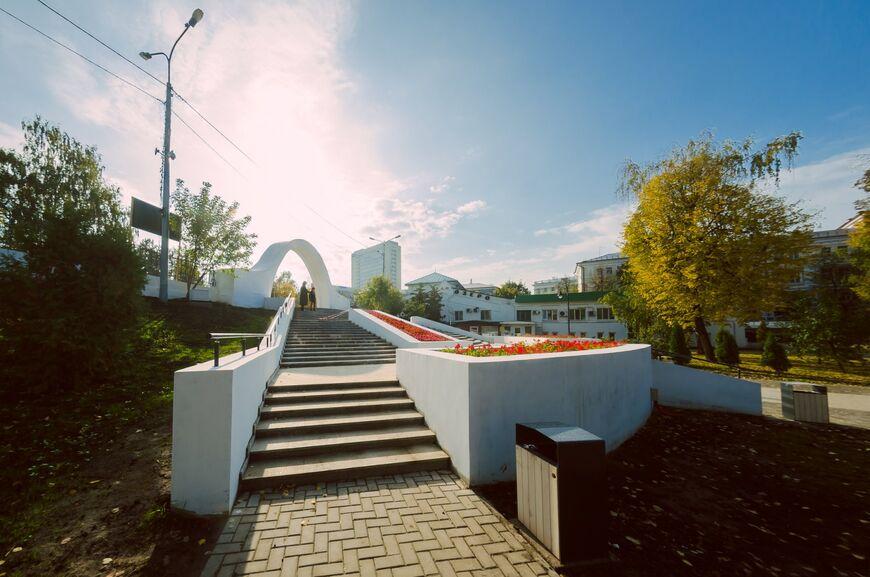 Парк Черное озеро и арка влюблённых (Казань)