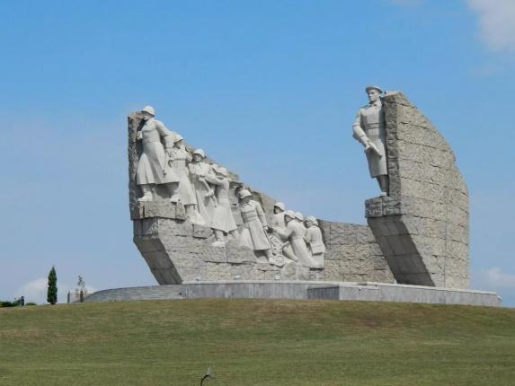 Мемориал Славы на Самбекских высотах (Таганрог)