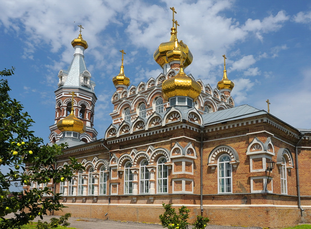 Свято-Троицкая церковь в Большой Мартыновке (Ростовская область)