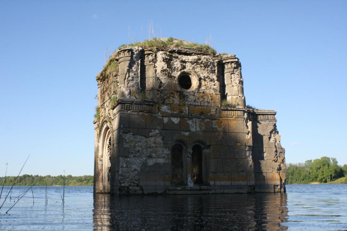 Руины гнездиловской часовни (Тверская область)