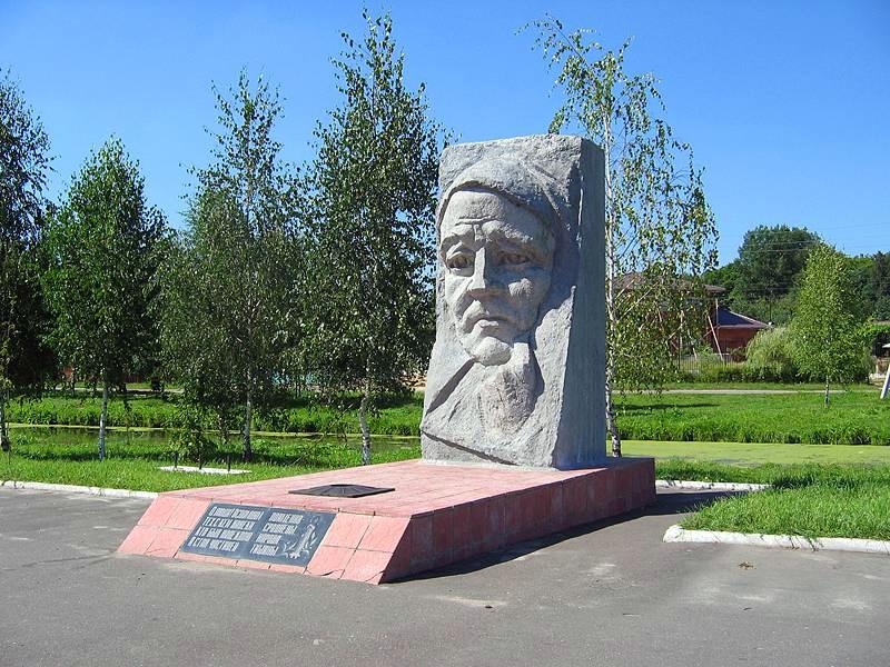 Мемориал памяти «Скорбящая мать» (Новозыбков)