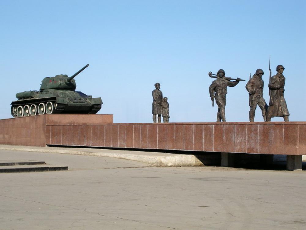 Памятник Герою Советского Союза Петру Куприянову (Жодино)
