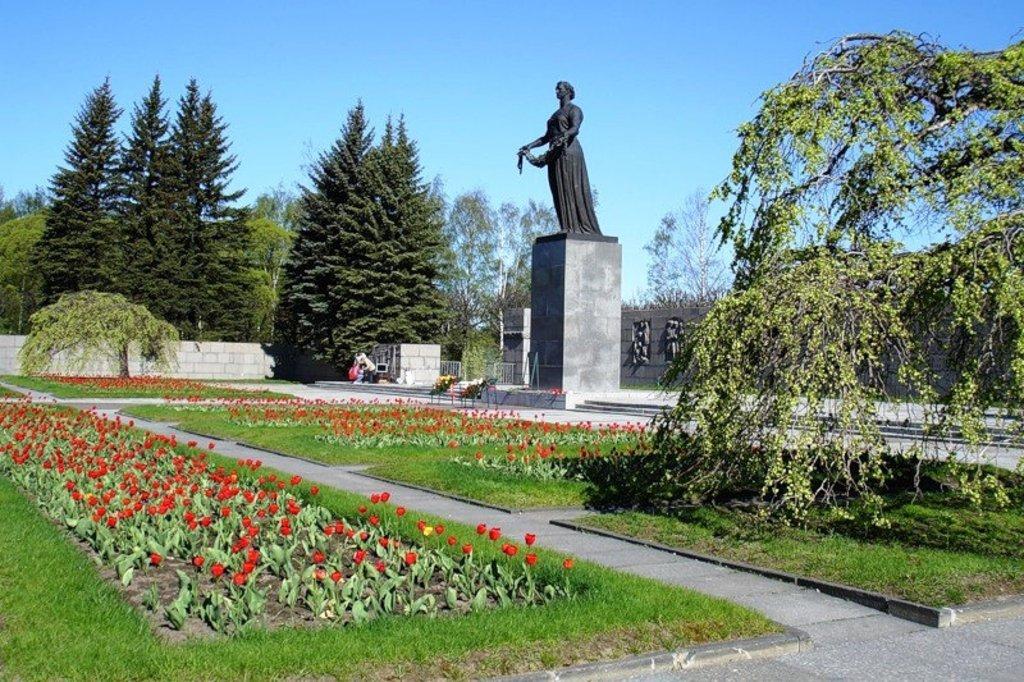 Пискарёвское мемориальное кладбище (Санкт-Петербург)