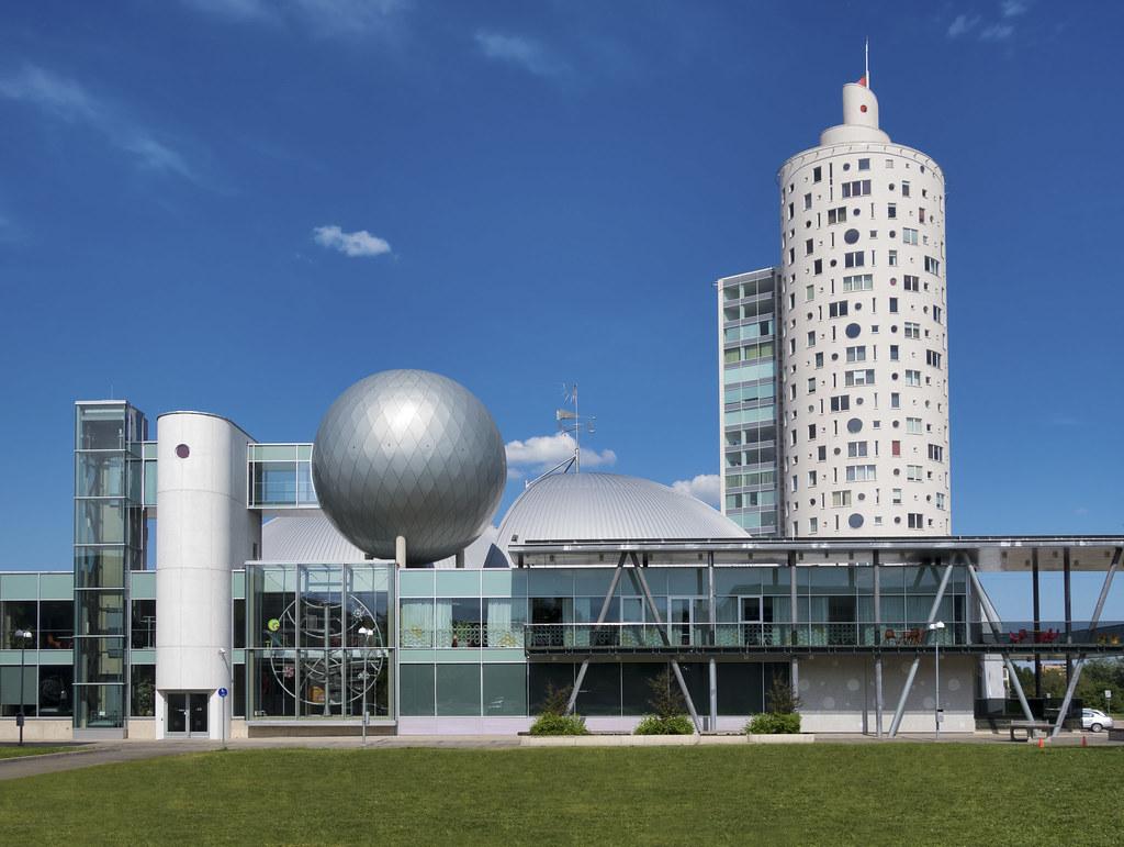 Научный центр AHHAA (Тарту)