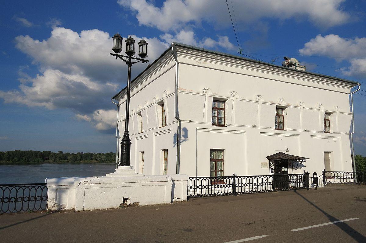 Волжская (Арсенальная) башня (Ярославль)