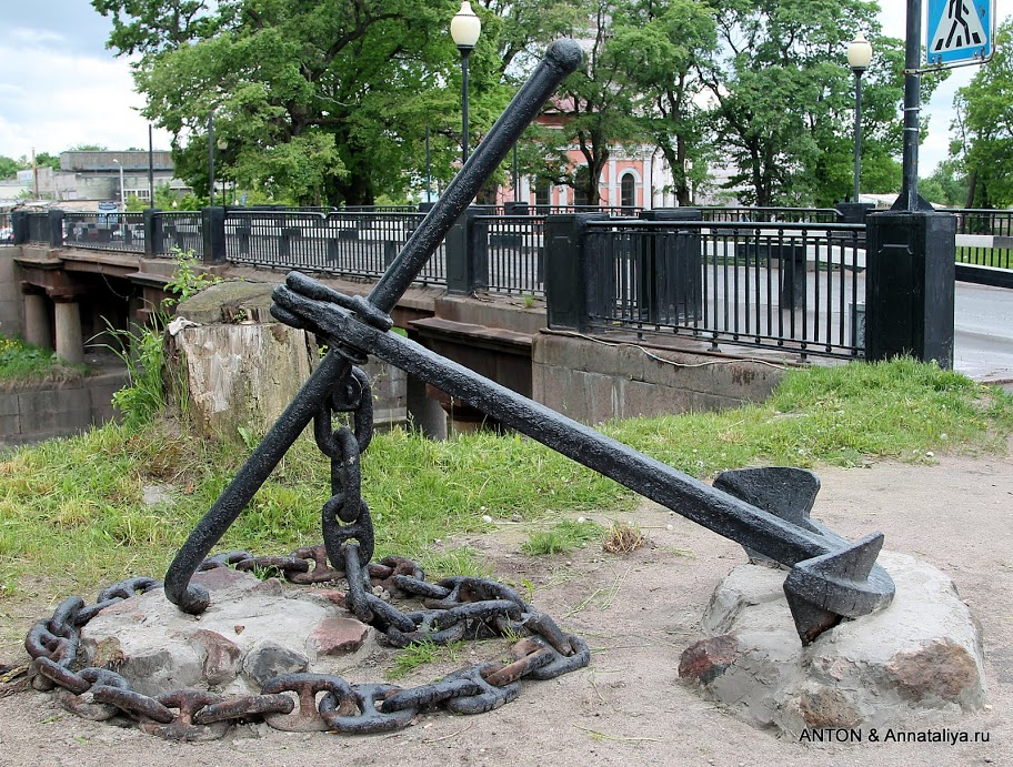 Памятник погибшим на Ладоге кораблям (Шлиссельбург)