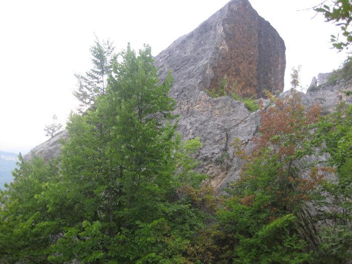 Камень Утюг (Каменномостский)