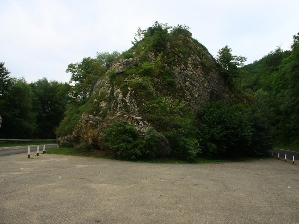 Казачий камень (Каменномостский)
