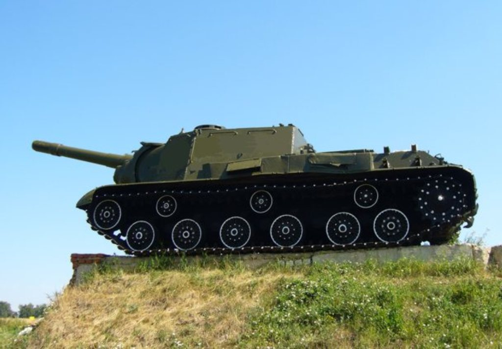 Памятник танкистам на реке Джемуха (Минеральные Воды)