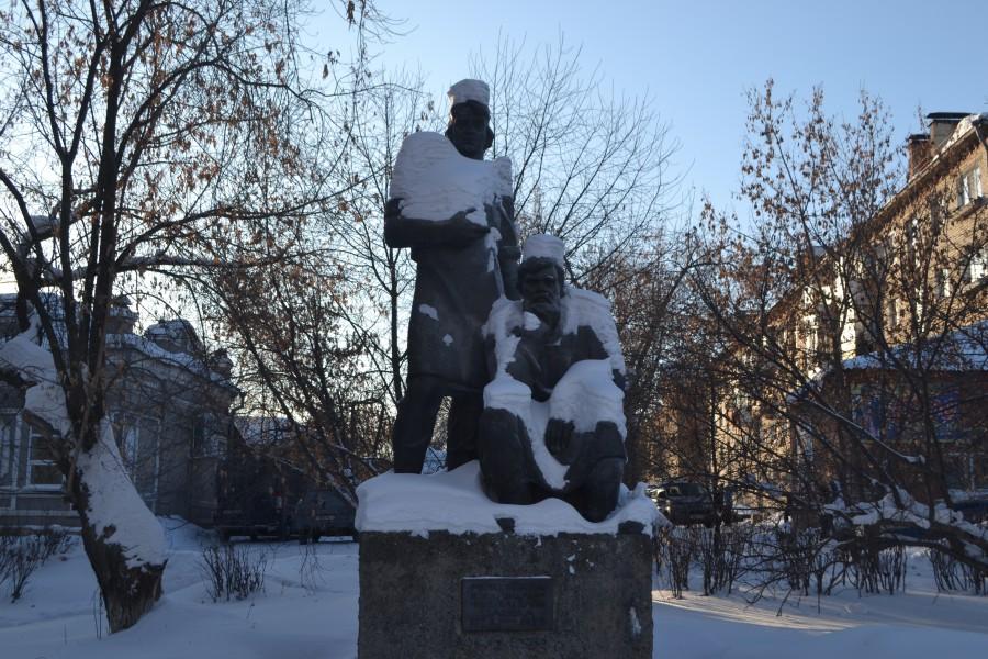 Памятник режевским умельцам-основателям города (Реж)