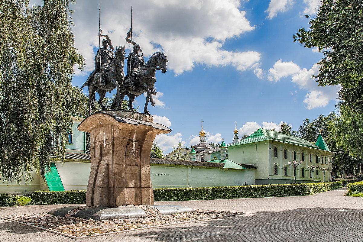 Памятник Борису и Глебу (Дмитров)