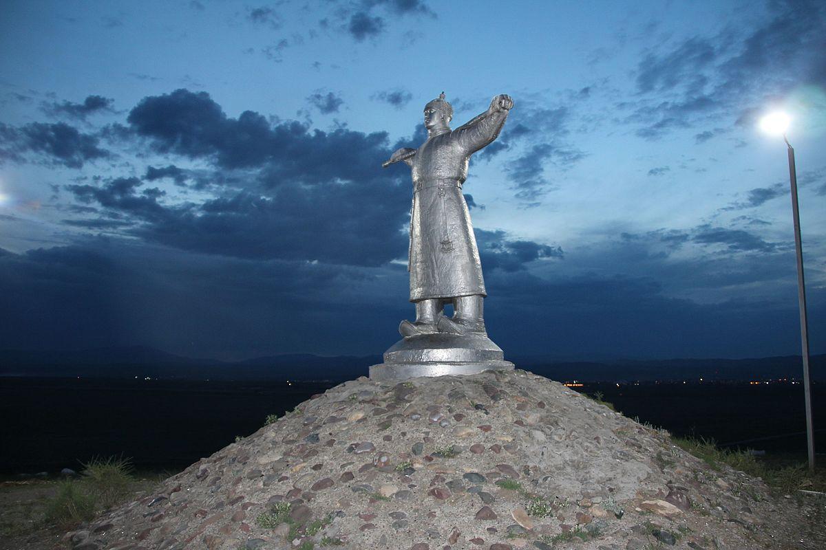 Памятник Кадарчы (Кызыл)
