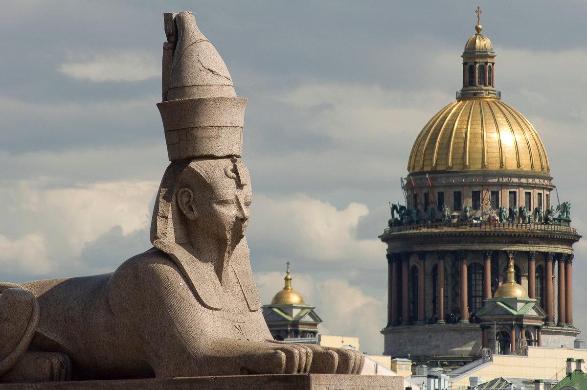 Сфинксы на Университетской набережной (Санкт-Петербург)