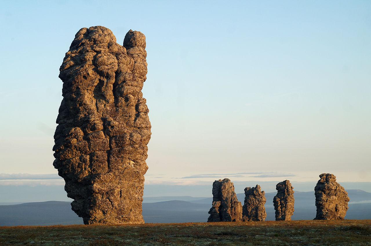Столбы выветривания на плато Мань-Пупу-нёр (Республика Коми)