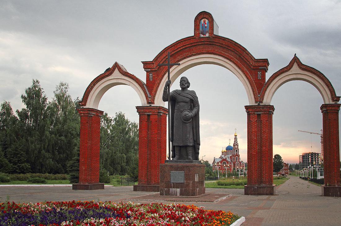 Памятник князю Владимиру (Новочебоксарск)