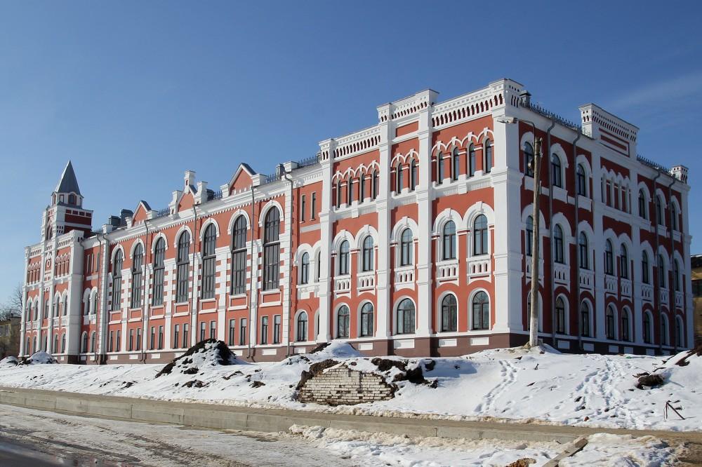 Здание женской гимназии в Короче (Белгородская область)