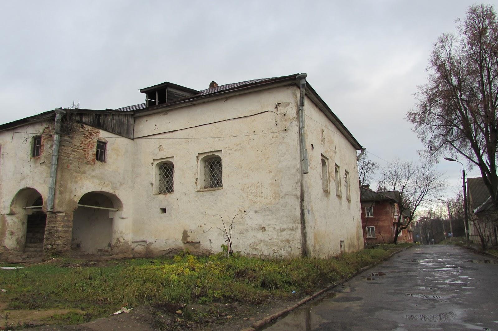 Солодежня— Палаты Лапина (Псков)