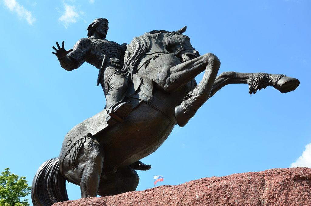 Памятник Евпатию Коловрату (Рязань)