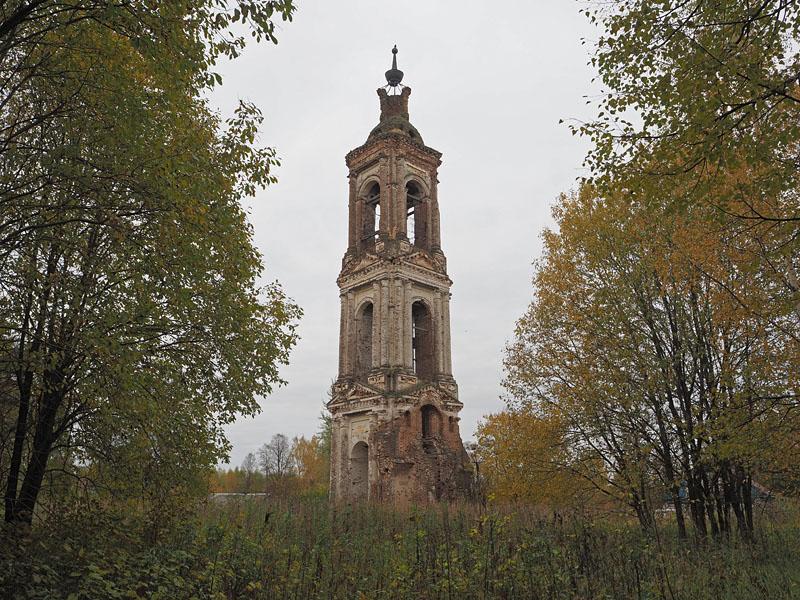 Колокольня церкви Воскресения Христова (Листьё) (Пучеж)