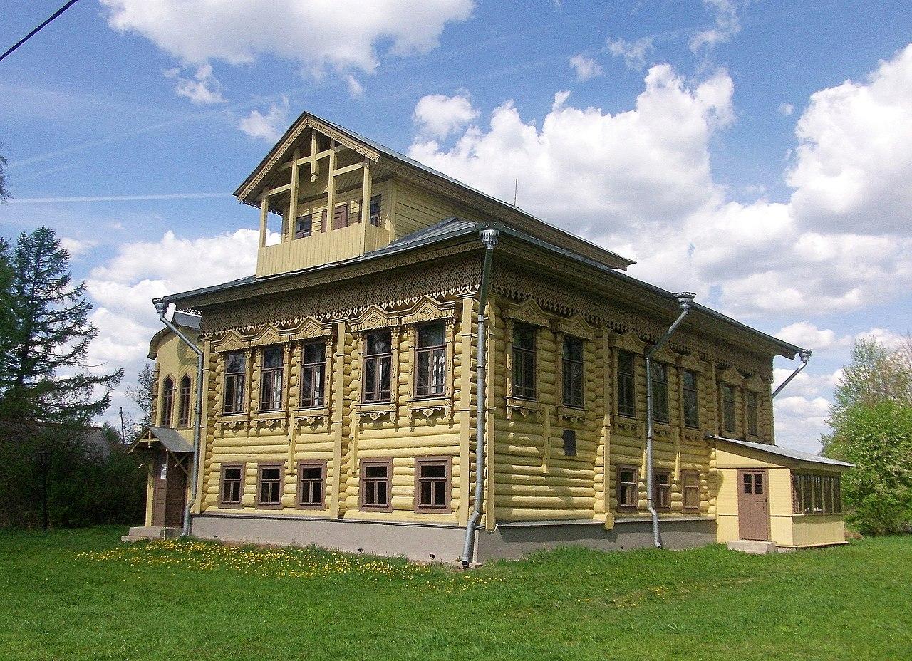 Дом-музей академика А. М. Опекушина (Ярославская область)