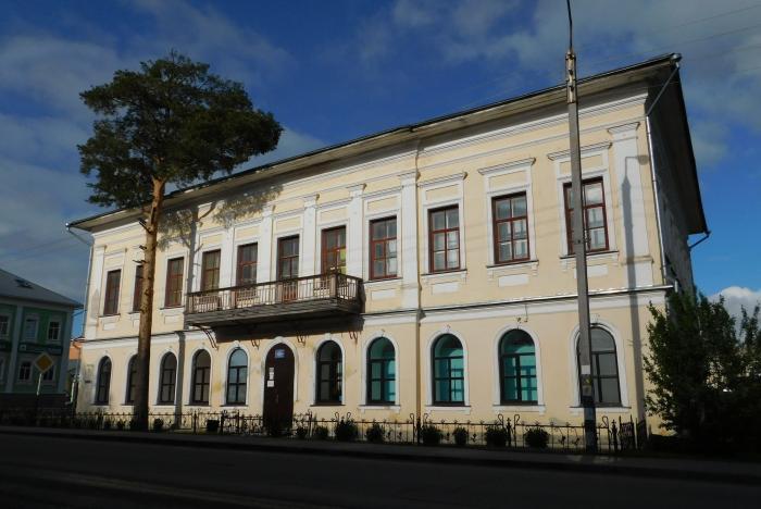Здание учительской семинарии (Тотьма)