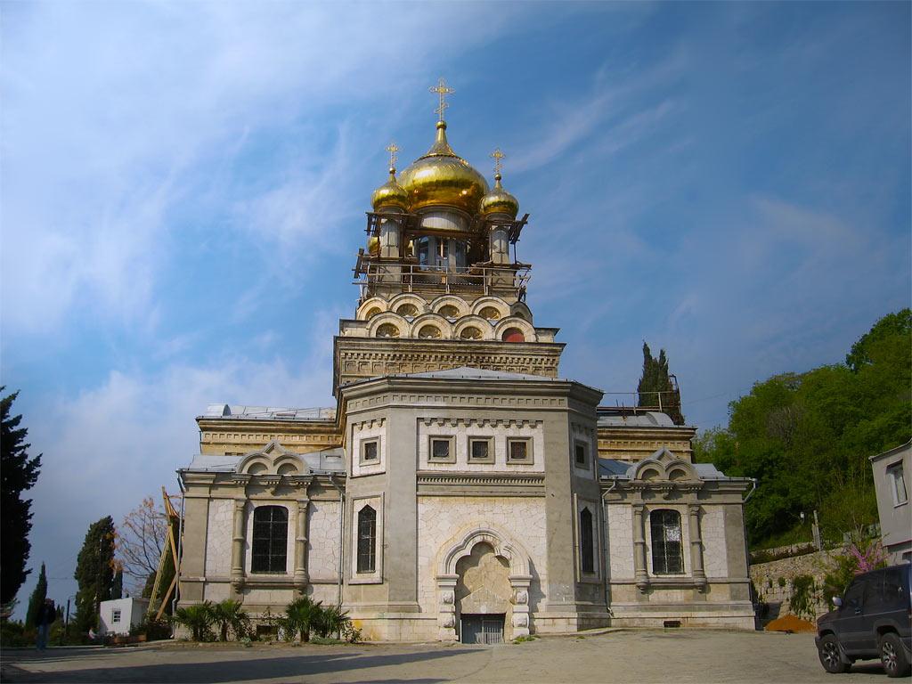 Церковь Архангела Михаила (Алупка)