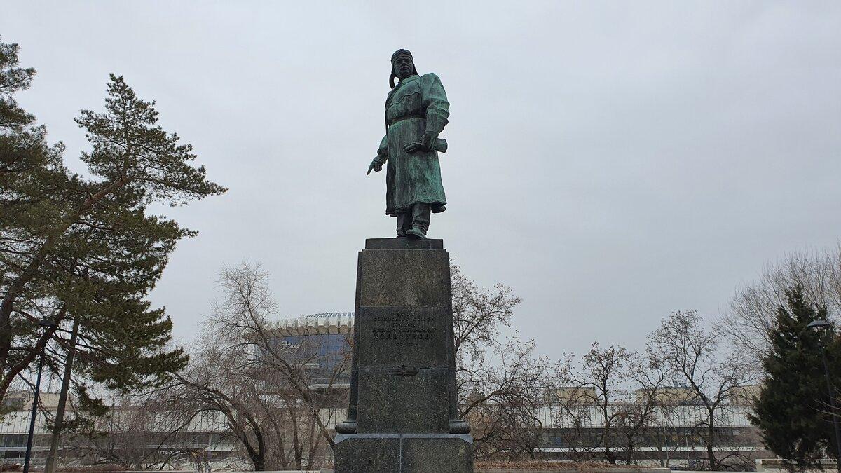 Памятник Виктору Хользунову (Волгоград)