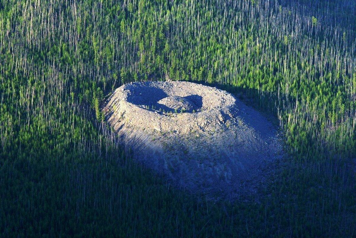 Патомский кратер (Иркутская область)
