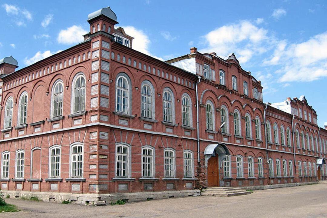 Общественный дом (школа) (Калязин)