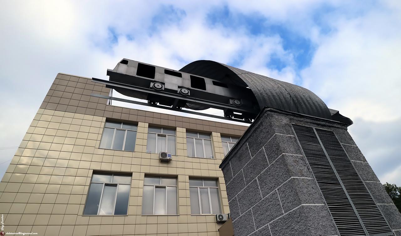 Памятники вагону метро (Мытищи)
