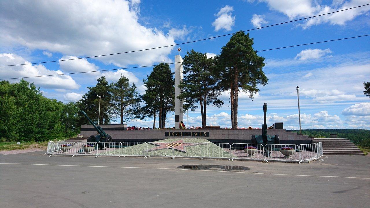 Братское кладбище (Подпорожье)