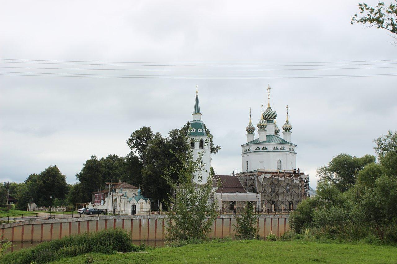 Введенская церковь (Холуй) (Южа)