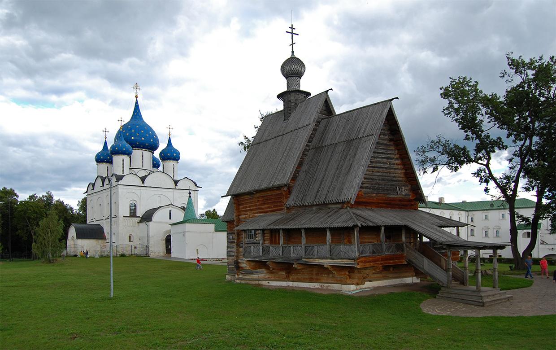 Деревянная Никольская церковь из села Глотово (Суздаль)